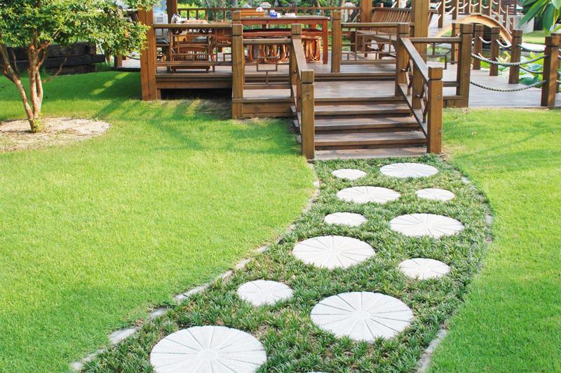Arredo esterni garden sitter giardiniere a torino for Arredo garden